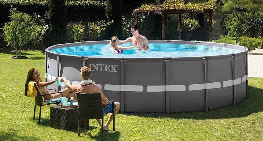 intex medence a családdal