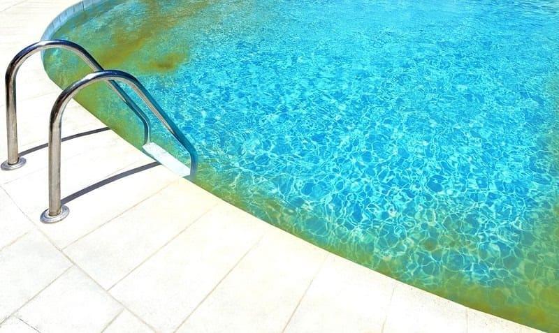 algás medence takarítása